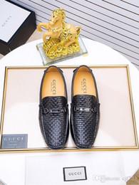 zapatos al por mayor para la boda Rebajas Venta al por mayor de las cadenas de diseñador zapatos de vestir de los hombres del banquete de boda zapatos formales zapatos de negocios de cuero genuino de plata más el tamaño 38-45