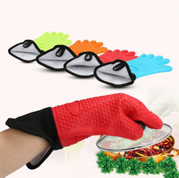 Wholesale heat finger - Heat Insulation Glove Soft Plus Cotton Silicone Five Fingers Gloves Flexible Slanting Design Hanging Kitchen Tools Household 8 5zy B