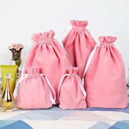 Logos de poche de cordon de velours en Ligne-6 Taille De Haute Qualité Emballage Rose Velours Sac Logo Personnalisé Pochette D'impression En Gros Sacs À Cordon Pour Les Cadeaux De Mariage