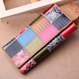 595eeceba Moda mujer talonario de cheques carteras de gran capacidad de la señora del  embrague de cuero monedero hermoso diseño del remiendo de alta calidad  mejores ...