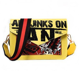 Sıcak satış 2018 yeni harajuku moda kız doodle kapak messenger çanta kadının çanta üzerinde PU Joker eğlence sanat jinks Y18102403 supplier doodle art nereden doodle art tedarikçiler