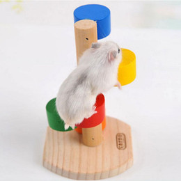 Canada En bois naturel échelle d'échelle colorée Fun Play Pet Toys Rat Hamsters Jouet En Bois Hamster Drôle exercice Lookout Tower Mouse Jouets supplier ladder toy Offre