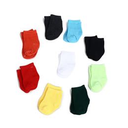 2019 nouvelle poupée née 9 couleurs Chaussettes Vêtements de poupée Wear Fit 43 Baby Baby Born Zapf Vêtements, Meilleur cadeau d'anniversaire pour enfants, Coton doux New Born Baby Sock nouvelle poupée née pas cher