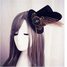 Para mujer Lolita Cosplay Pequeño Sombrero Horquilla Steampunk Mini Sombrero de Copa Vintage Engranajes Gótico Brújula Cadena de plumas Headwear desde fabricantes