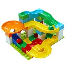 Grandi blocchi assemblati di particelle Puzzle giocattolo Blocco mutante Giocattoli per l'intrattenimento del bambino da
