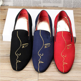 dd1d1888f9964 2018 New Style Luxury Italian fashion men loafers gold embroidery handmade men  velvet shoes Slip On casual flats Party Wedding shoes G100