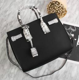 bolsos de cuero negro marcas de renombre Rebajas 2018 nuevo estilo de la marca de fábrica de la alta calidad de las mujeres de la manera Cuero genuino bolso de cuero serpentino negro Sac De Jour Bolso de hombro