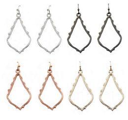 Regalo de Navidad Kendra Style Sophee Alloy Frame Oval Pendientes Moda Cuelga los pendientes para las mujeres desde fabricantes