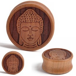 28мм заглушки Скидка 1Pair 10-28mm Wood Meditating Buddha Double Flared Saddle Ear Plugs Tunnel Gauges Piercing for Fashion Body Jewelry