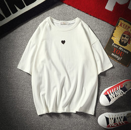 2019 camisas dos namorados homens Casais Camisetas Bonito Pequeno Coração Imprimir Branco Preto Encabeça Homens Mulheres Dia Dos Namorados Tee Roupas camisas dos namorados homens barato