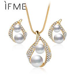 Joyas de oro de imitación online-IF ME Moda Boda Conjunto de joyas de perlas de imitación de color dorado Colgante y collar de aretes Conjunto de joyas de novia Bijoux