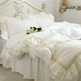 Wholesale lace luxury duvet sets - Luxury Embroidery bedding set beige lace ruffle duvet cover wedding decorative textile bed sheet Coverlets elegant quilt cover