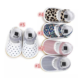 Wholesale Rubber Sole Kids Shoes - Baby First Walkers Summer Sandals Cotton Fabric Lace Soft Bottoms Kids Soft Sole Infant Printed Stripe Shoes B11
