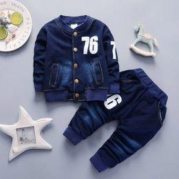 Cola meninos do bebê conjuntos de roupas 2018 primavera outono crianças meninos calças de brim roupas esporte terno criança meninos casuais roupas de treino de