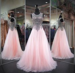 Princesa de hadas rosa online-2018 Fairy Pink Elegante Una línea de vestidos de noche con cuentas Sheer Neck Party Prom Vestidos Backless Princesa Red Carpet Runway Vestidos para concurso