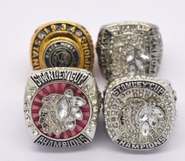 Wholesale Championship Boxing - Wholesale Alloy Rings Sets for 4 Years Sets 1934 2010 2013 2015 Ice Hockey Chicago BlackHawks Championship Rings with wooden display box