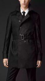 La nuova giacca a vento da uomo di grandi dimensioni autunno inverno Europa e Stati Uniti rifinisce il doppio petto British short coat da nuovi uomini di stili di taglio fornitori