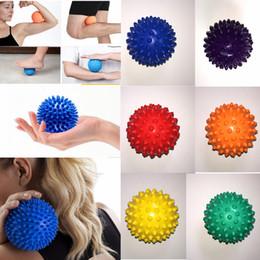 Pelota de terapia online-7 cm Pie Spiky Bola de masaje Vértebra cervical Punto de acupuntura Punto de activación Músculo Relax Terapia de alivio del dolor de mano Erizo Bola AAA918
