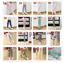 chaussettes filles japonaises Promotion Chaussettes hautes à rayures pour filles de cuisse de zèbre de style japonais, chaussettes hautes de printemps doux 21 couleurs de Noël Halloween BY0072