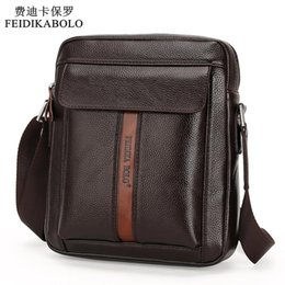 Wholesale Men Large Tote Leather - Vintage Men Messenger Bags High Quality Soft Pu Leather Solid Hand Bags Large Capacity Travel Men Bags Dollar Price Handsome Man