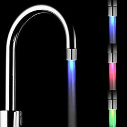 Grifos de cocina luces led online-Venta al por mayor-Venta caliente Sensor de temperatura Luz LED Grifo de agua Grifo Resplandor Ducha Baño de la cocina RGB / Multi Color / Azul