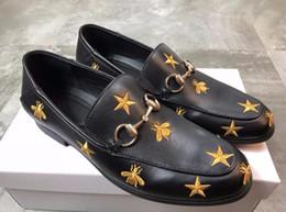 Le scarpe da uomo ricamate in vera pelle non hanno marchio, lussuosi abiti formali fatti a mano di lusso, scarpe casual per party di alta qualità G3.6 da