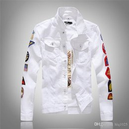 Wholesale long military style jacket - Military Style Men White Denim Jacket With Badges New Mens White Jean Jackets With Flap Pockets Free Shipping
