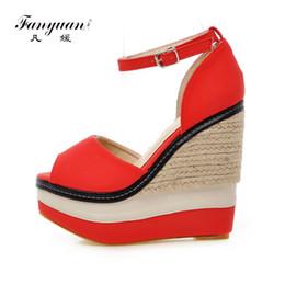 Großhandel Extreme High Heels Sandalen Frauen Plattform Keil Sandalen Sommer Peep Toe Ankle Strap Schuhe Dame Party Hochzeit Boho Sandale von Fabrikanten