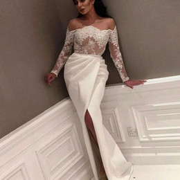 2019 off ombro sequin tops Myriam Fares Lace Lace Sheer Top Vestidos de noite 2018 Off The Shoulder White Applique Sequin Long Sleeves Slit Side Prom Gowns Sexy BA7776 off ombro sequin tops barato