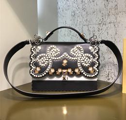 Diseñador de la mariposa online-La mejor calidad original Cuero auténtico 100% de lujo puede bolso de hombro famoso Diseñador de la marca El remache Bolsas mariposa