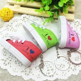 Argentina Novedad te amo zapatillas de deporte llaveros mini 3D en forma de llaveros regalos moda zapatos de deporte lindo titular de la clave cheap cute 3d keychains Suministro