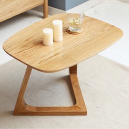 affiche de vêtements de fer Promotion Table basse européenne en bois massif Simple petit meuble ovale Chêne rouge Table basse en bois massif Canapé Table d'appoint