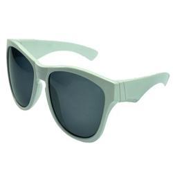 Bonito Sexy Retro Cat Eye Sunglasses Mulheres Pequeno 2018 Triângulo Do  Vintage Barato Óculos de Sol Feminino Vermelho UV400 Senhoras Marca  Designer D54 c5767fb81d