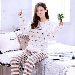 Weißes flanell-nachthemd online-Verdickung Frauen Winter Flanell Pyjamas weibliche Korallen Fleece Pyjama Sets Sleepwear Samt weiß Langarm-Nachthemd
