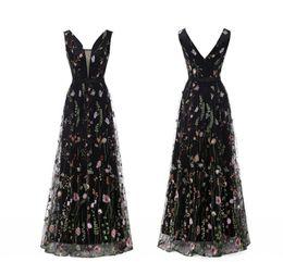 b49d09cc4 Sexy cuello en V 2019 vestidos de baile bordados flor de tul de encaje 3D  largos vestidos de noche formales vestidos de cóctel sin respaldo vestido  de dama ...