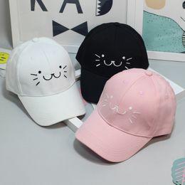 2018 moda bordado ajustable gorra de béisbol del snapback lindo gato de  dibujos animados cara hip hop sombrero plano casquillo ocasional para las  muchachas ... c3bc3e1b134