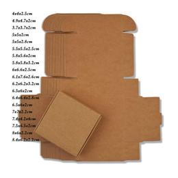 2019 scatole marrone naturale 10pcs / lot piccoli regali che inscatolano la scatola d'imballaggio del regalo della festa nuziale fatta a mano del sapone fatto a mano naturale marrone della scatola di carta kraft marrone naturale sconti scatole marrone naturale