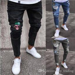 2019 pantalones largos para hombre 2018 moda para hombre Skinny Jeans Ripped Slim fit estiramiento Denim Distress Jeans deshilachados niños patrones bordados lápiz pantalones JN10 pantalones largos para hombre baratos