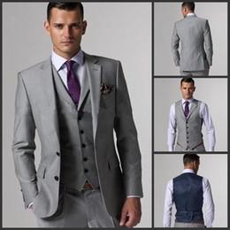 vestiti groomsmen tuxedos dello sposo grigio Sconti Personalizza lo smoking dello sposo Slim Fit Groomsmen Light Grey Side Vent Wedding Vestito da uomo completo Suit da uomo (giacca + pantaloni + vest + cravatta) 001