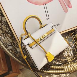 Argentina Bolso de la cerradura del diseñador de la alta calidad de la marca Razaly bolsos amarillos de la cadena del cuero de la pu de los bolsos de la cadena del cuero del totalizador pequeño crossbody Suministro