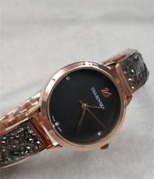 2019 Nuevo Modelo Moda Marca de Lujo Reloj de Las Mujeres Con Diamante  Diseño Especial Relojes De Marca Mujer Vestido de Mujer Reloj de Cuarzo  Relogio ... 3be6b9f2a857
