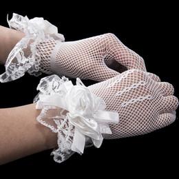 Wholesale girls wedding gloves - 2018 Appliques Ivory Girls Short Gloves Elastic Tulle Children Gloves For Wedding Wrist Length Finger Kids Wedding Gloves