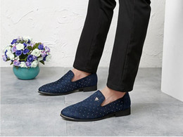 Wholesale wedding shoes blue flats - Promotion New 2018 spring Men Velvet Loafers Party wedding Shoes Europe Style Embroidered Black blue Velvet Slippers Driving moccasins NX336