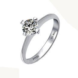 Solitär verlobungsring weißgold online-Echtes 925 Silber Hochzeit Schmuck Weißes Gold Farbe 0.8Ct Solitaire Synthetische Diamanten Ring Weiblichen Verlobungsring Vorschlag Ring