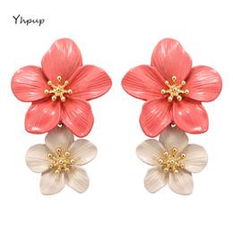 bellissimi regali Sconti Yhpup moda elegante in lega di zinco smaltato fiore ciondola gli orecchini belli dolci orecchini per la ragazza compleanno gioielli presenti parte