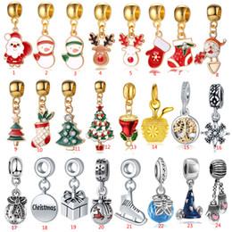 esferas de cristal chandelier Rebajas MEZCLA 24 estilos Navidad adornos colgantes Pop Aleación árbol de navidad muñeco de nieve colgantes para collares DIY Pulseras Accesorios Big Hole Beads