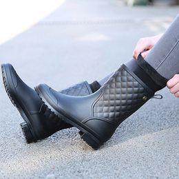 2018 chaussures en caoutchouc à la mode nouvelles plaid chaussures en caoutchouc décontractées dames pluie bottes de pluie dans le tube bottes de pluie pour femmes adultes ? partir de fabricateur