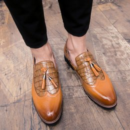 2018 İngiltere erkekler ayakkabı rahat sivri burun Vintage Sonbahar ayakkabı deri asansör kış Erkekler Püskül elbise FreeShipping cheap tassel casual shoes nereden paskalya gündelik ayakkabısı tedarikçiler