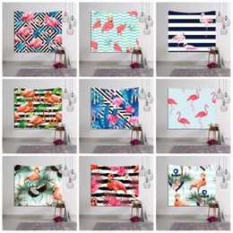 Stampe murali online-3D Digital Printed Tapestries Fashion Stripe Flamingo Pattern Asciugamano da spiaggia Hanging Wall Decor Living Room Decoration Tappetino Yoga Popolare 18lsb B