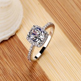 Wholesale vintage fashion rings - Fashion Show Elegant Temperament Jewelry Womens Girls White Silver Filled Wedding Ring Classic Vintage Ring for Women Free Shipping